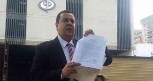 Javier Tarazona, director de la Fundación en defensa de los Derechos Humanos REDES, denunció ante el Ministerio Público de Venezuela el ingreso de guerrilleros colombianos a escuelas de ocho estados del país.