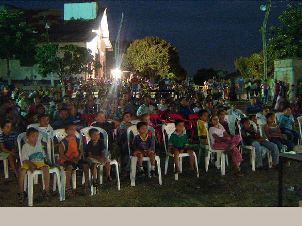 Cine infantil al aire libre en el Festival Audiovisual de los Montes de María