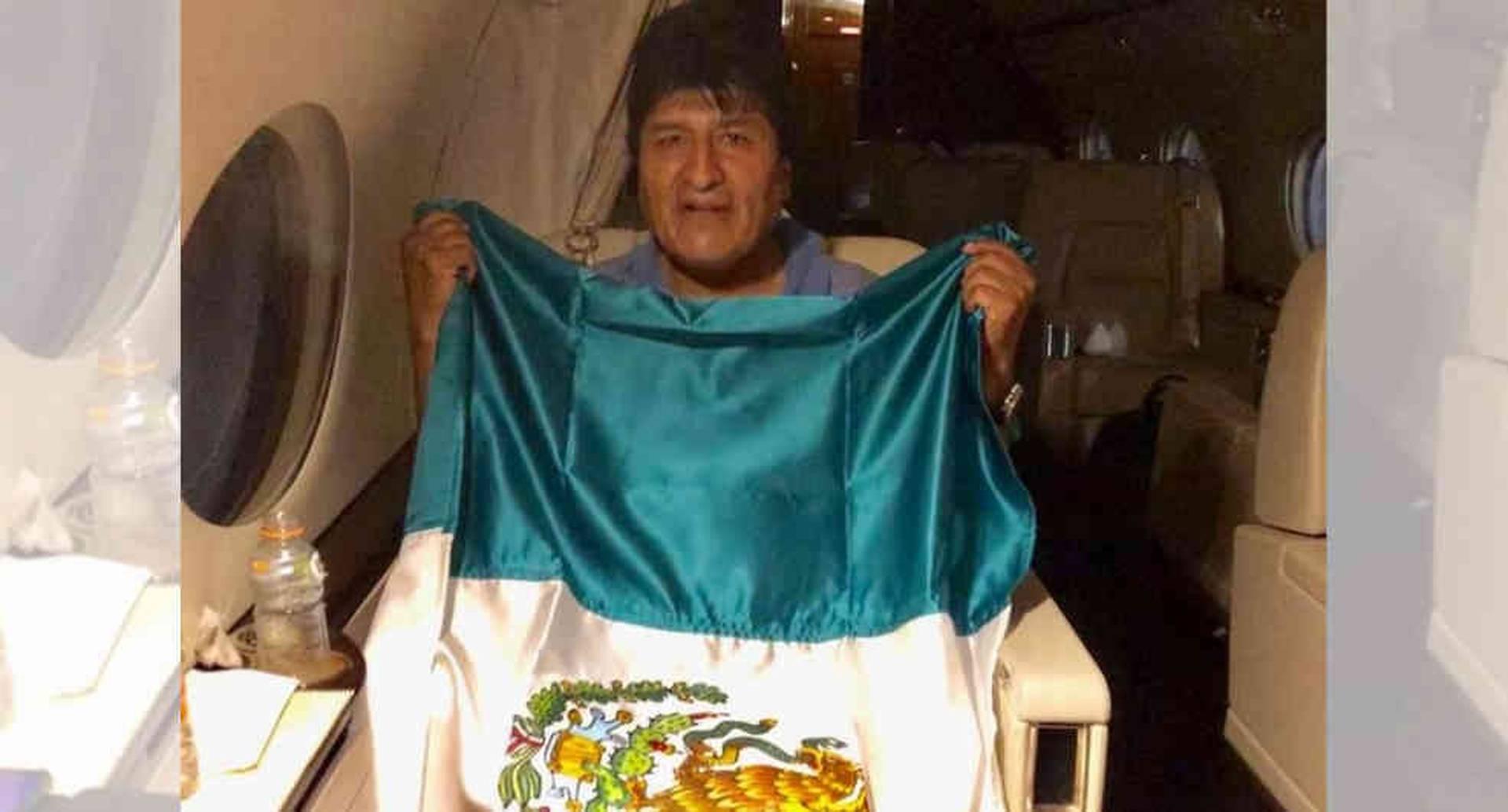 EL expresidente de Bolivia viaje en un avión de las Fuerzas Armadas mexicanas con rumbo al país de Amlo para conseguir asilo.