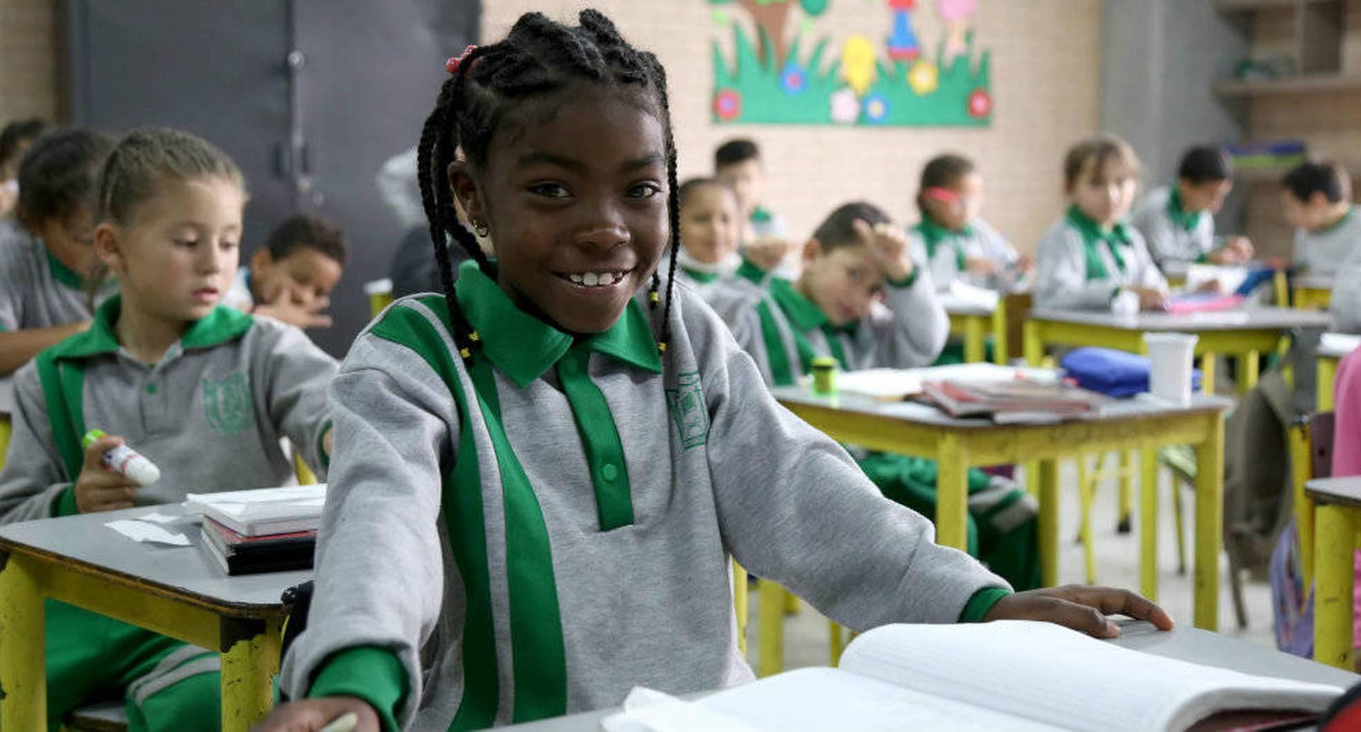 El traslado también aplica para aquellos estudiantes que estén en colegios bajo el modelo de  administración del servicio educativo o en concesión.
