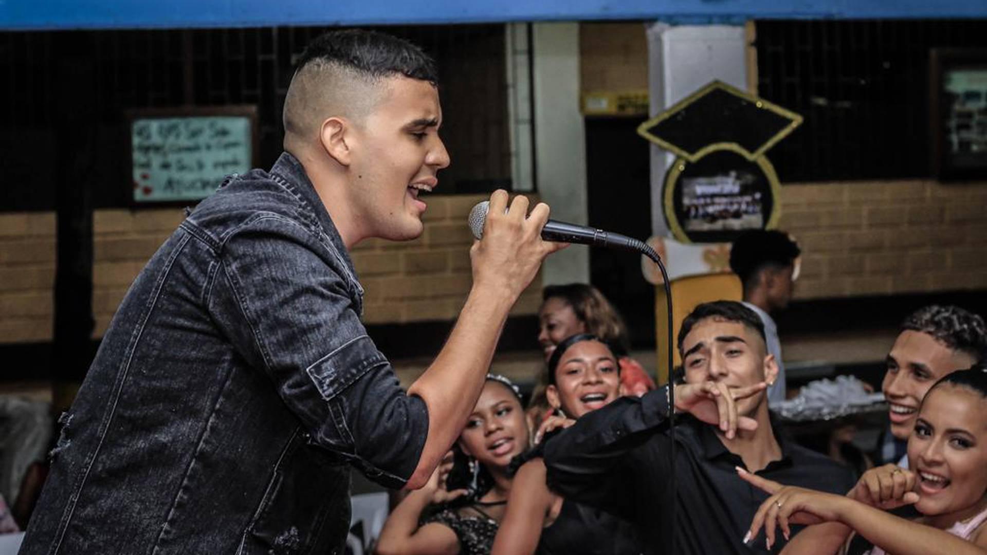El joven urabeño que conquista los premios musicales del país