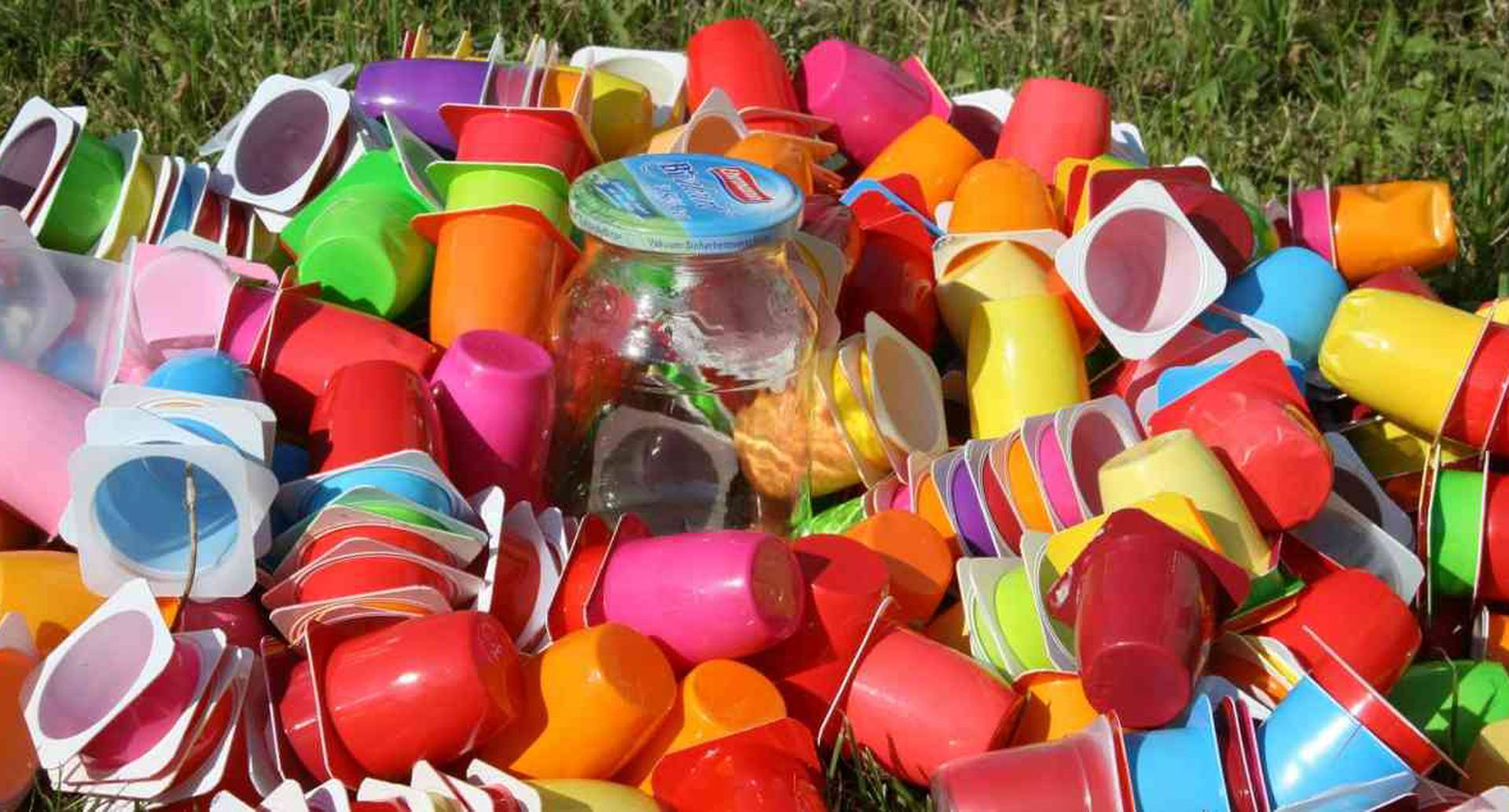 La lucha contra los plásticos de un solo uso continúa. Canadá se suma a esta causa. Foto: Pixabay