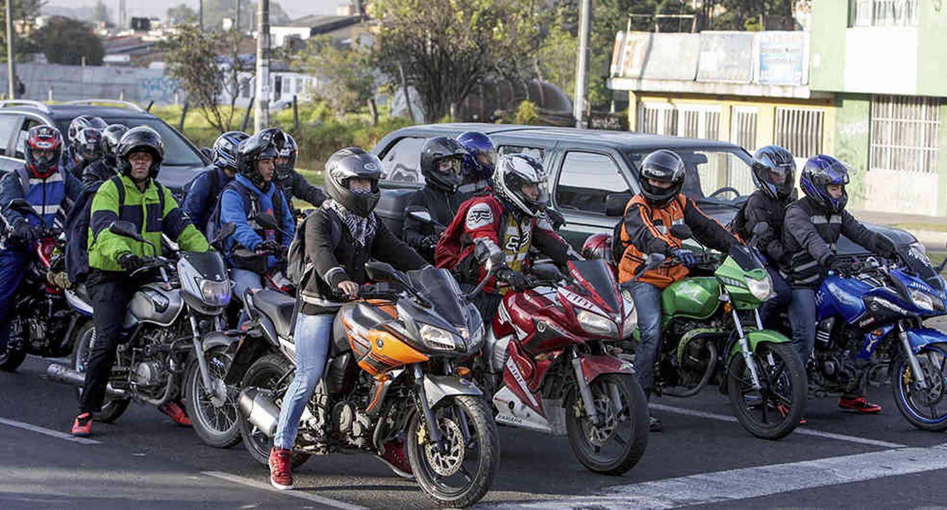Motociclistas radicarán demanda contra el Código de Tránsito en Colombia
