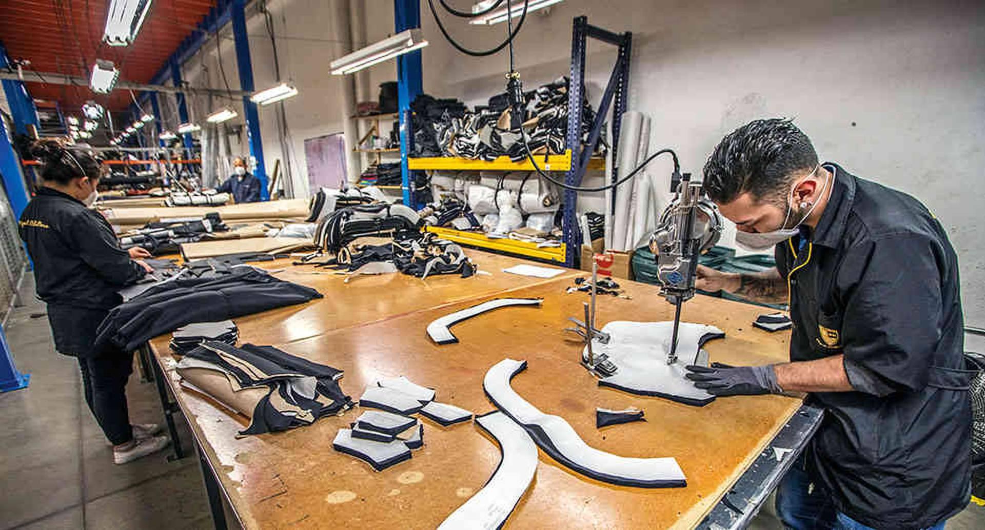 MiguelCaballero exporta chalecos blindados a 52 países. Esta industria es una de las de mayor proyección internacional.