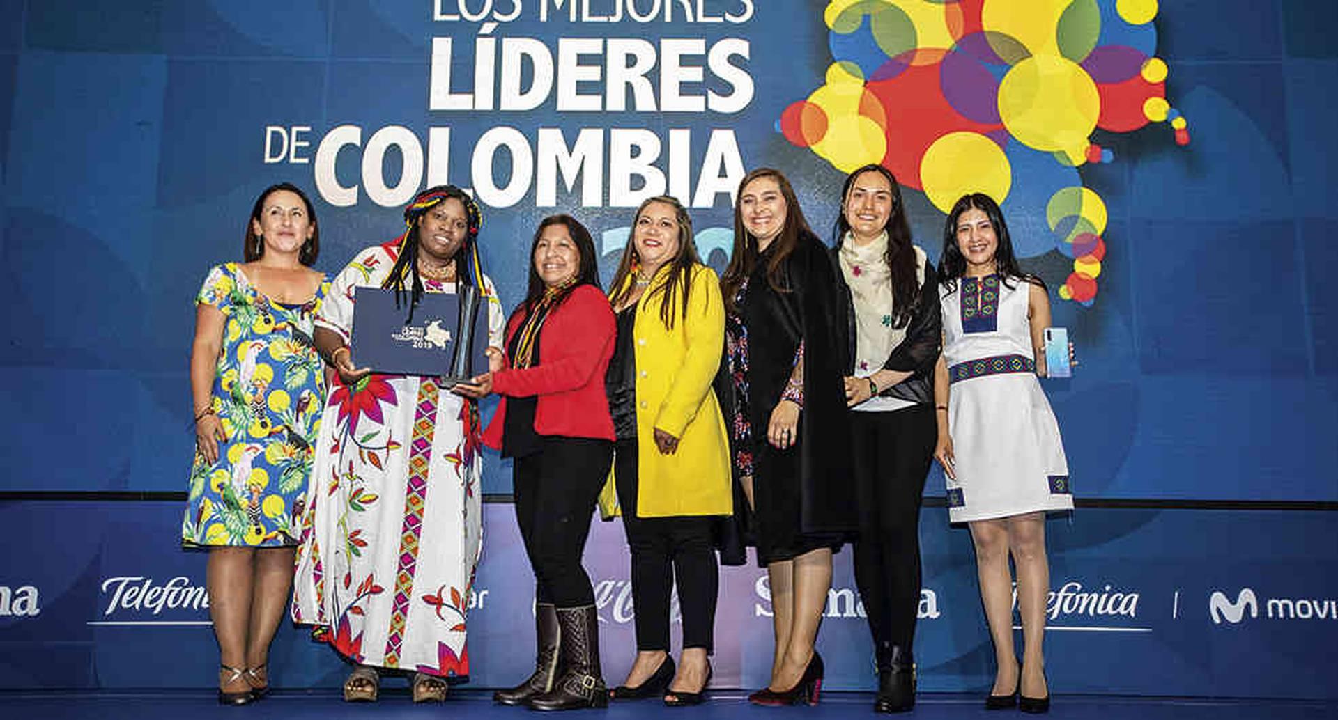 Yolanda Perea entregó el premio a la Organización Nacional de Pueblos Indígenas de la Amazonia Colombiana.