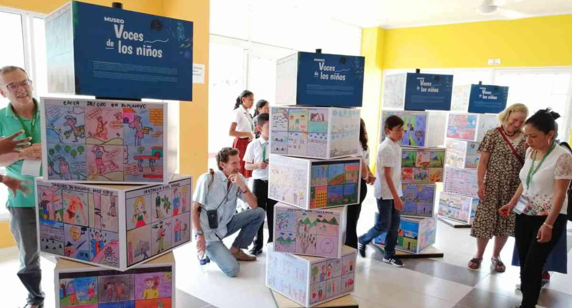 El museo itinerante 'Voces de los niños' reúne dibujos de cerca de 50 niños de Mocoa. Foto: Mauricio Ochoa Suárez/Semana