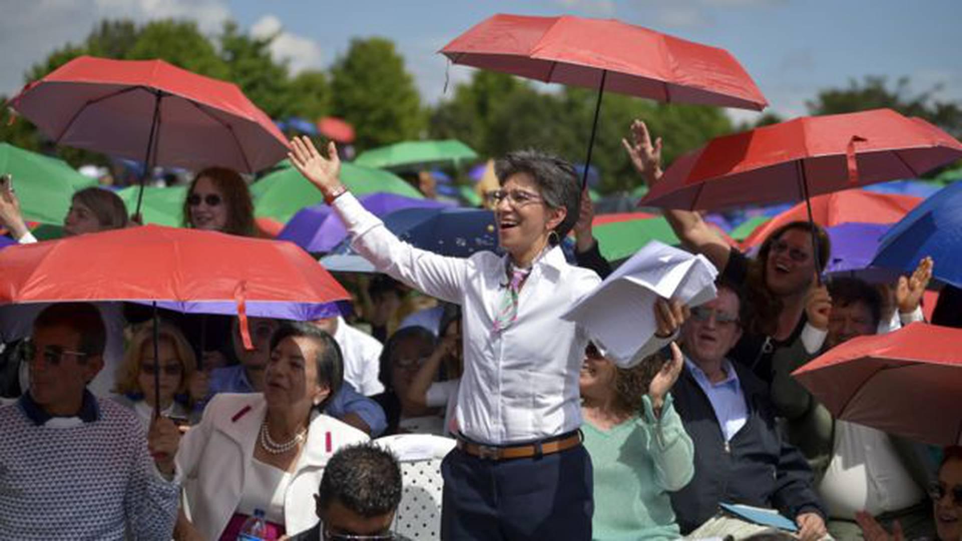 """López dice que el liderazgo se construye con simpatía colectiva más que con estrategias sofisticadas. Sus críticos llaman eso """"populismo""""."""