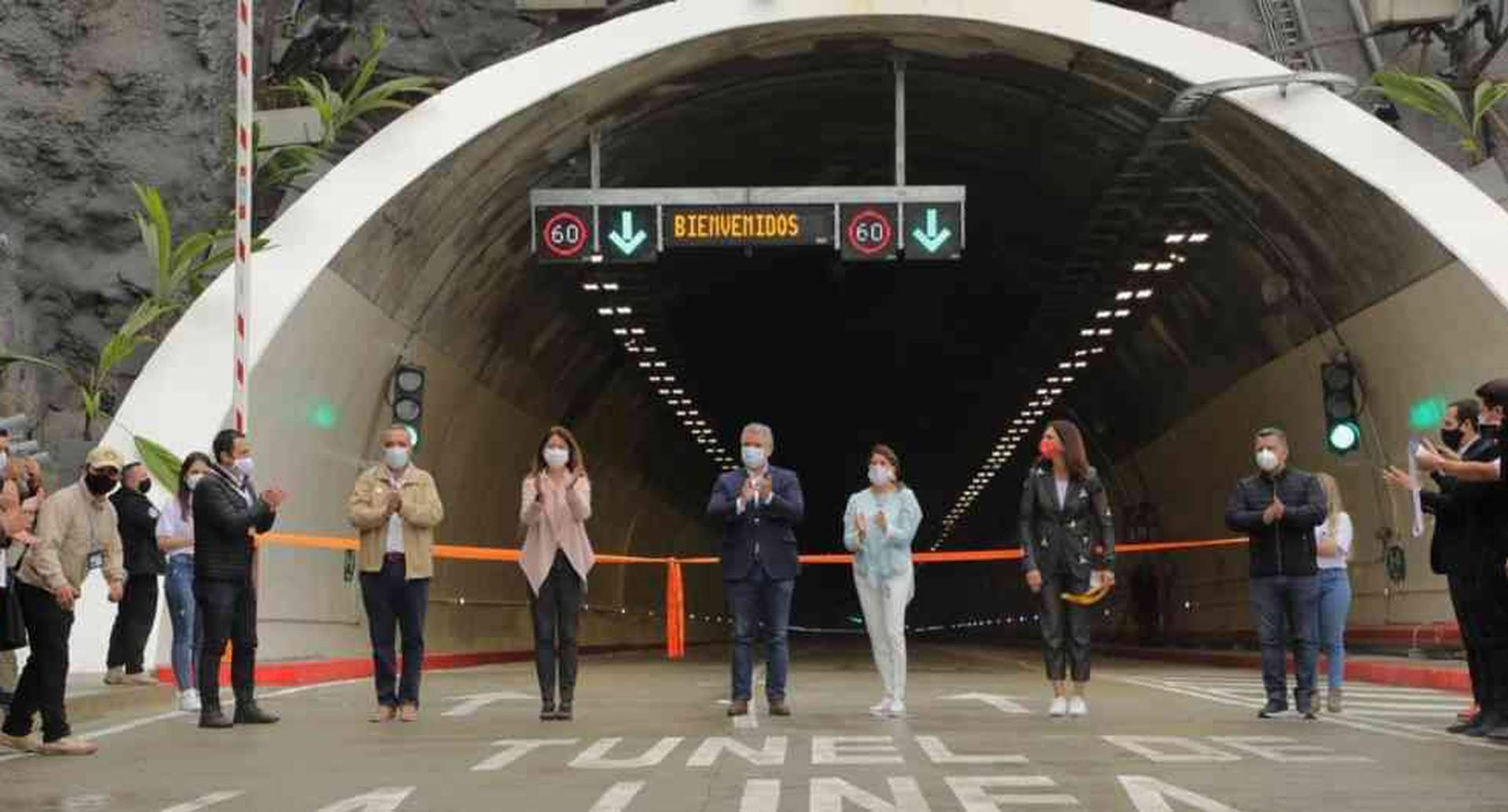 Inauguración del túnel de la línea.