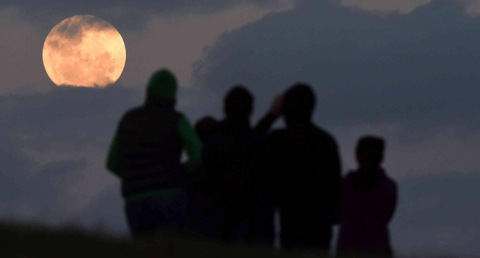 Superluna en Australia. Foto: EFE