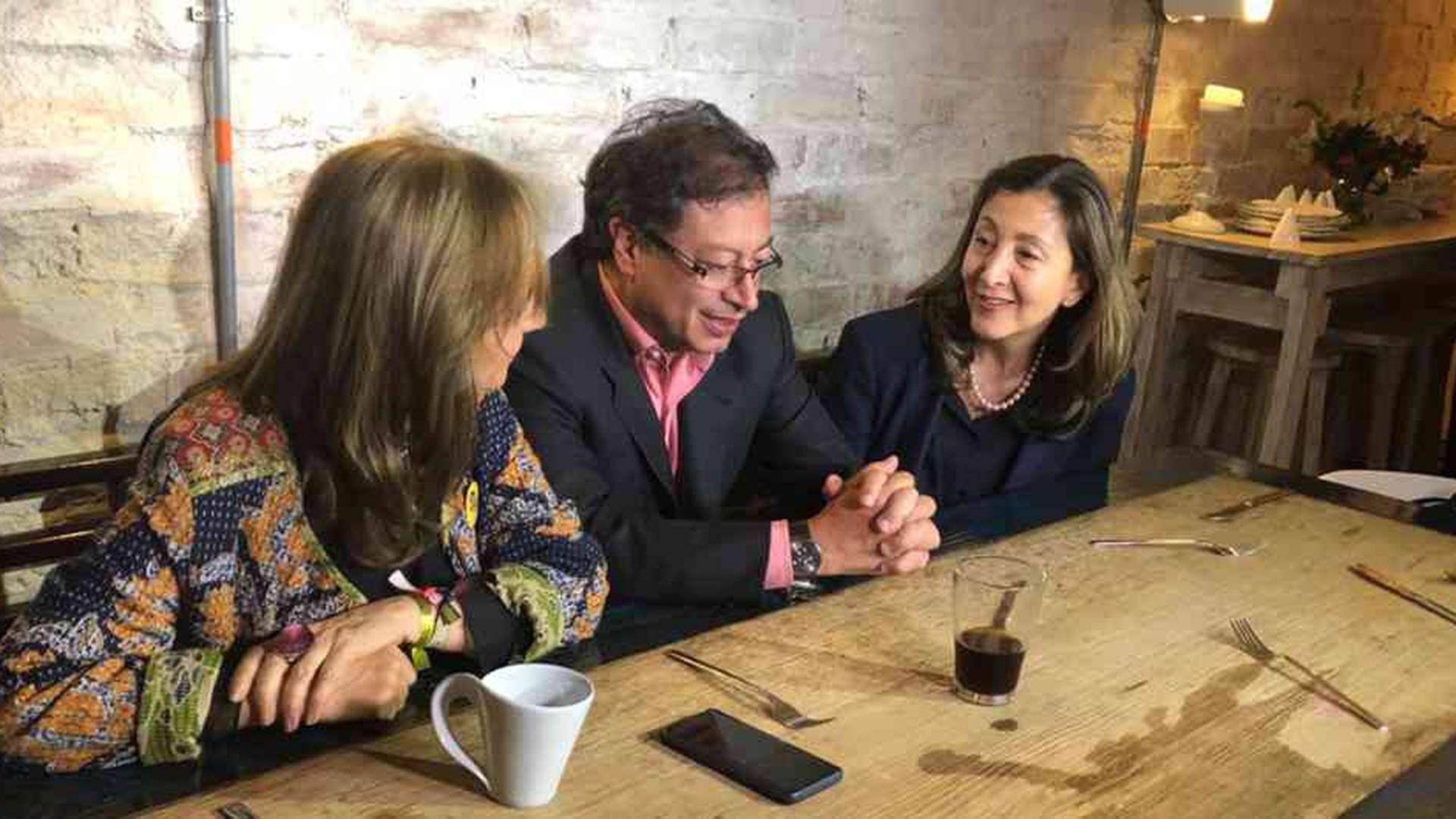 Íngrid Betancourt, Gustavo Petro y Ángela Robledo.