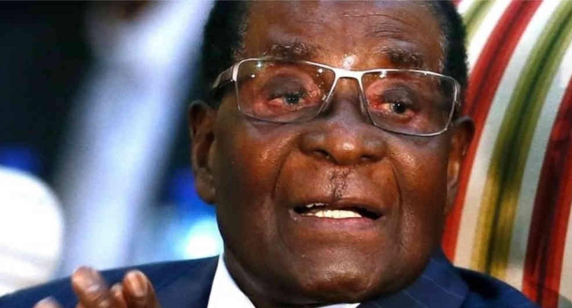 """""""Me siento tan joven y con tanta energía como un niño de nueve años"""", Robert Mugabe en 2014 al cumplir 90 años."""
