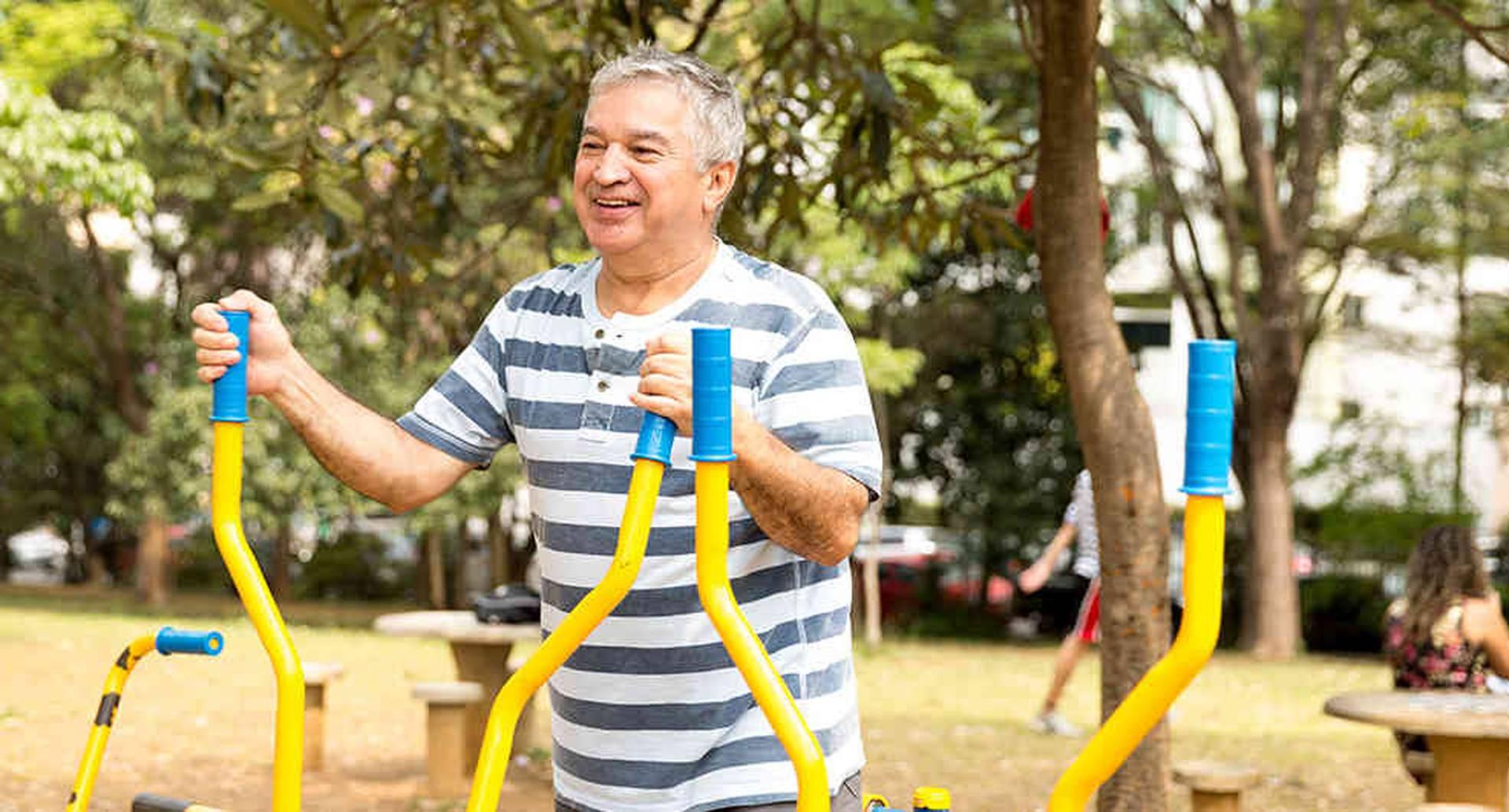 por primera vez en la historia de la humanidad y del país, la proporción de personas mayores de 60 años  es superior a la de quienes se encuentran entre los 0 y 5 años.