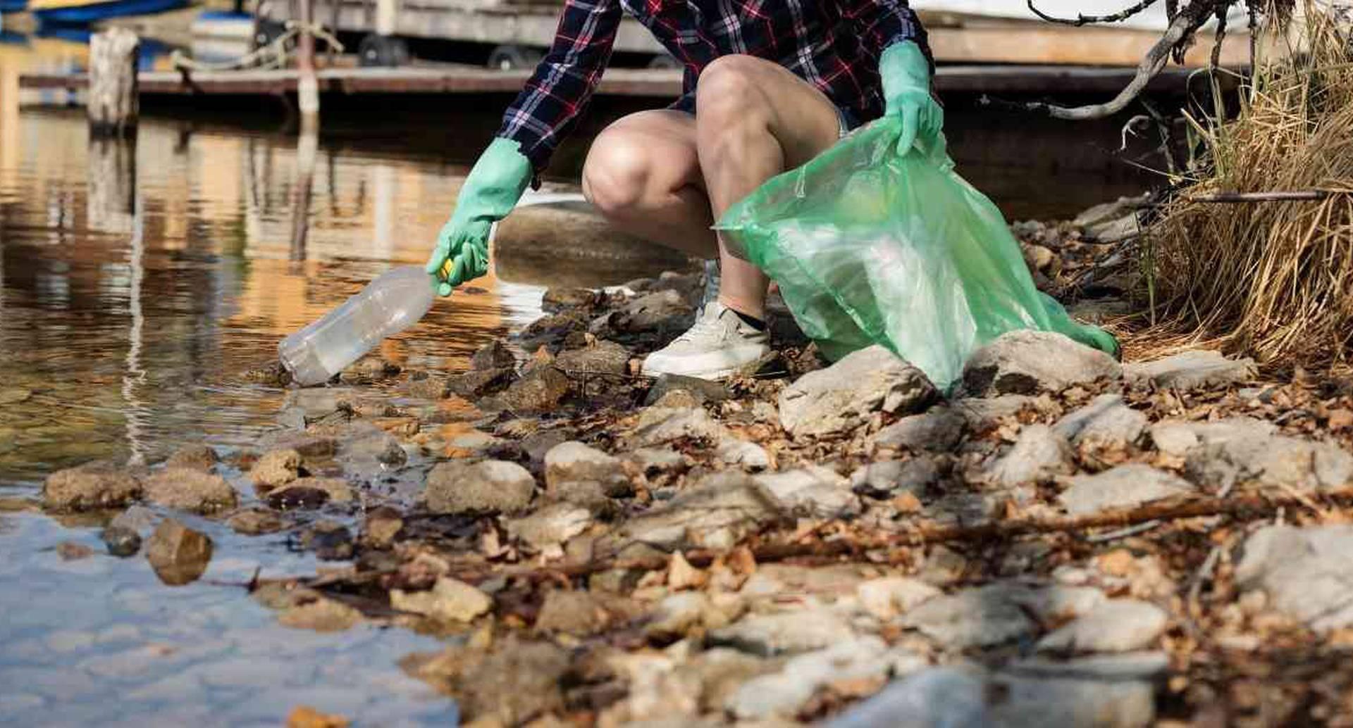 El plástico es uno de los mayores contaminantes de los ríos y mares en el mundo.  Foto: Pixabay.
