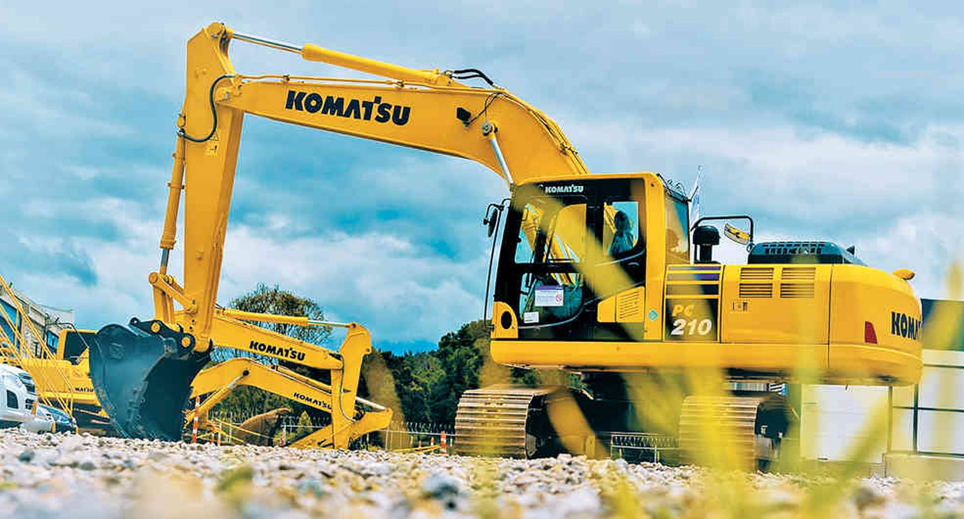 Con maquinaria de última tecnología y soporte técnico, Komatsu apoya las obras de infraestructura en Colombia.