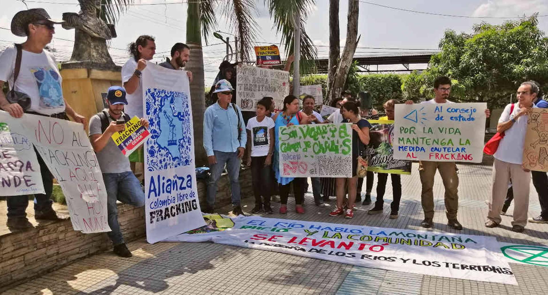 Los habitantes de San Martín (Cesar) fueron los primeros en Colombia en oponerse a la realización de fracking en su territorio. Aquí en una manifestación pacífica. Foto: Mauricio Ochoa Suárez/Semana.