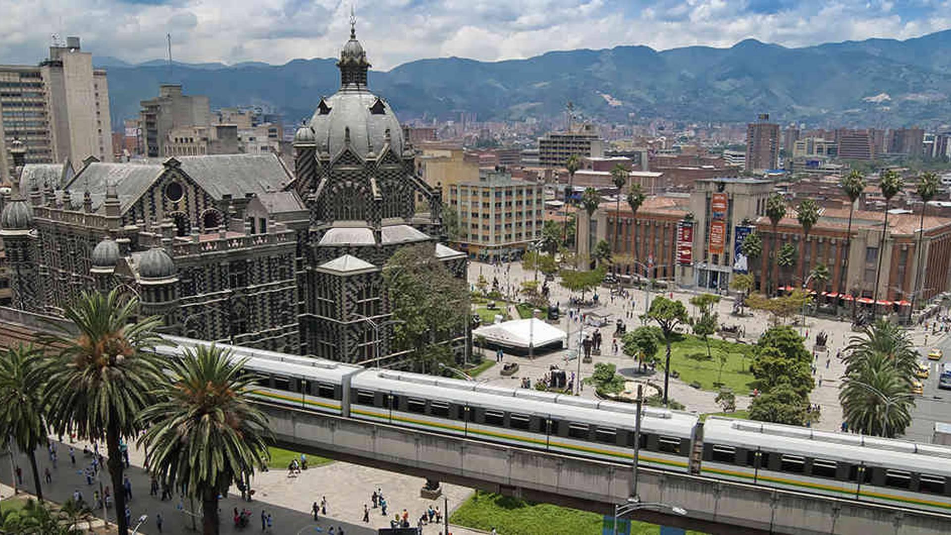 No Habra Ley Seca Pero Si Toque De Queda Este Fin De Semana En Medellin