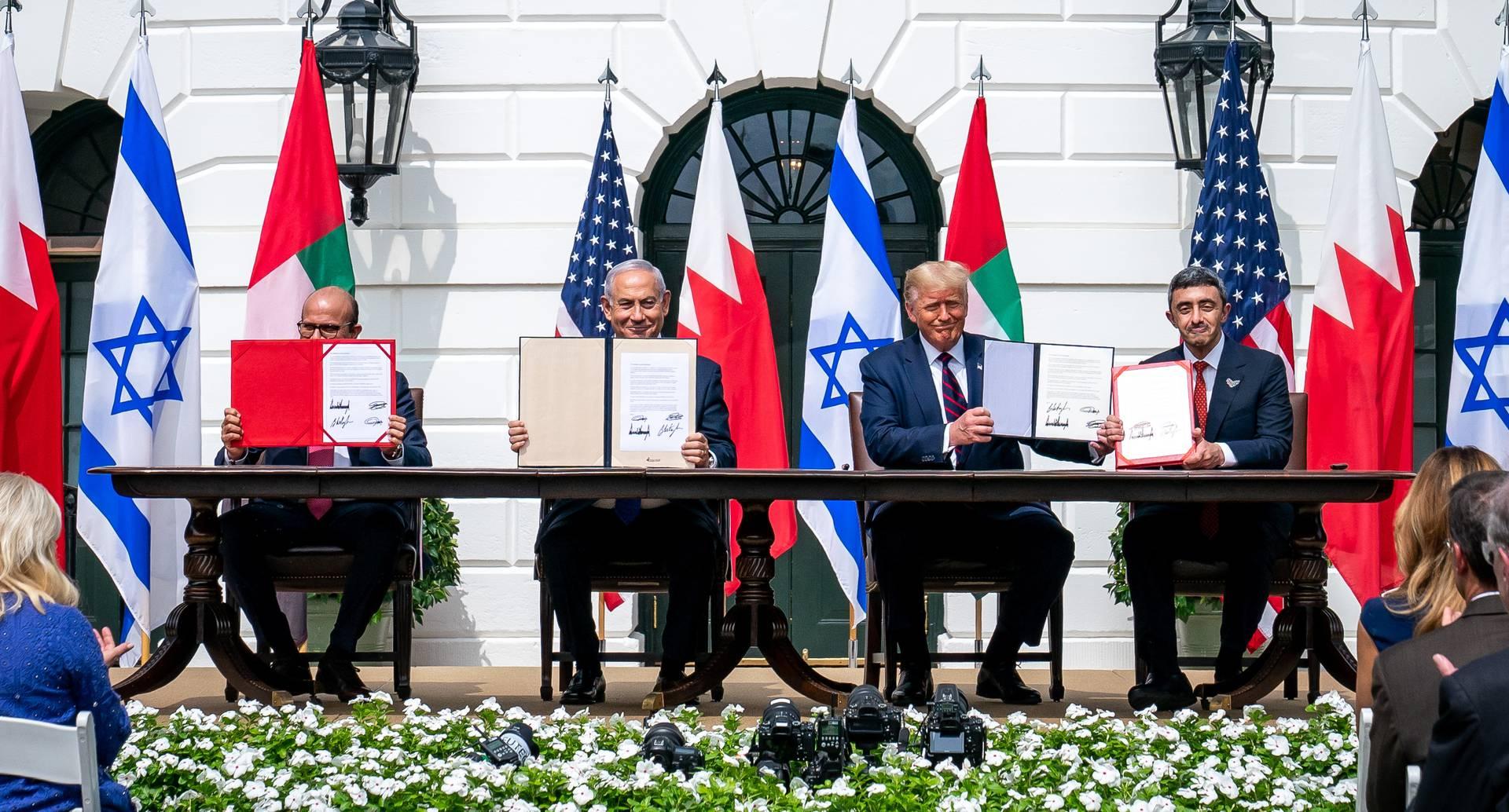 Firma del acuerdo de Israel con Emiratos Árabes Unidos y Baréin