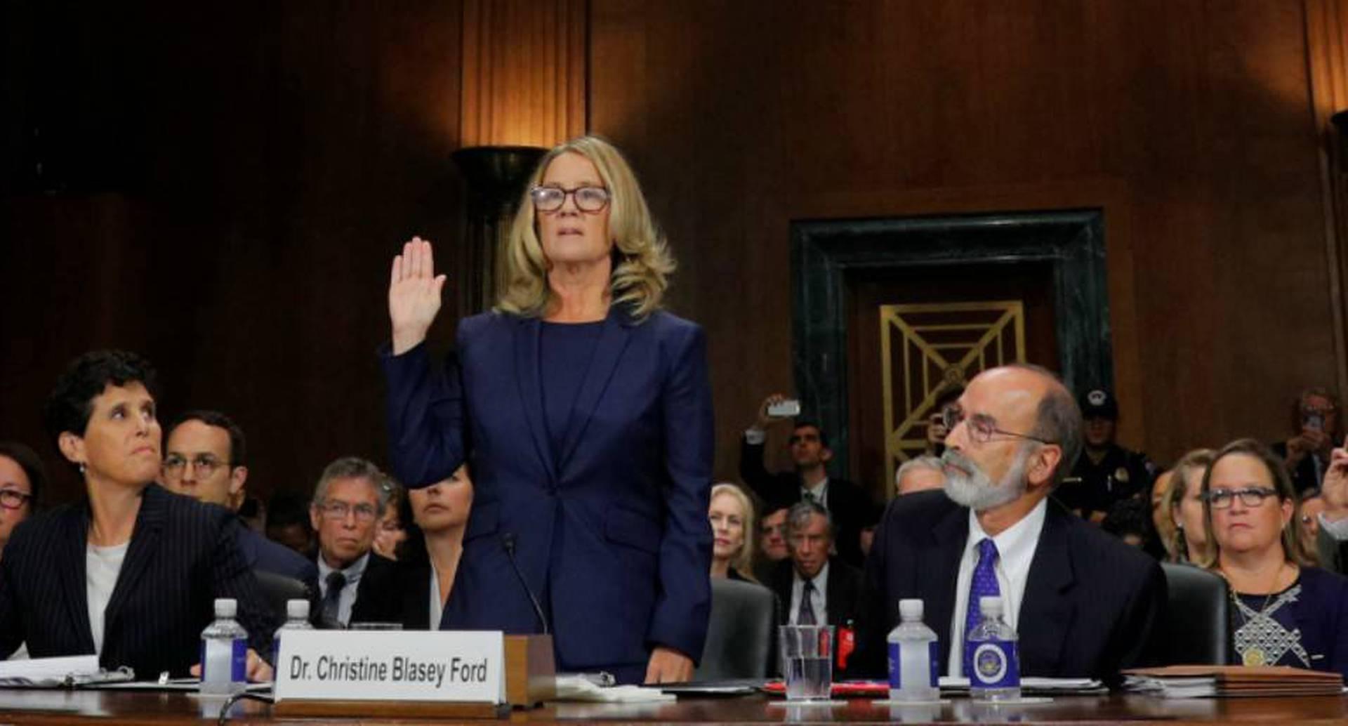 La profesora Christine Blasey Ford se presenta en el Senado estadounidense para acusar a Kavanaugh por agresión sexual.