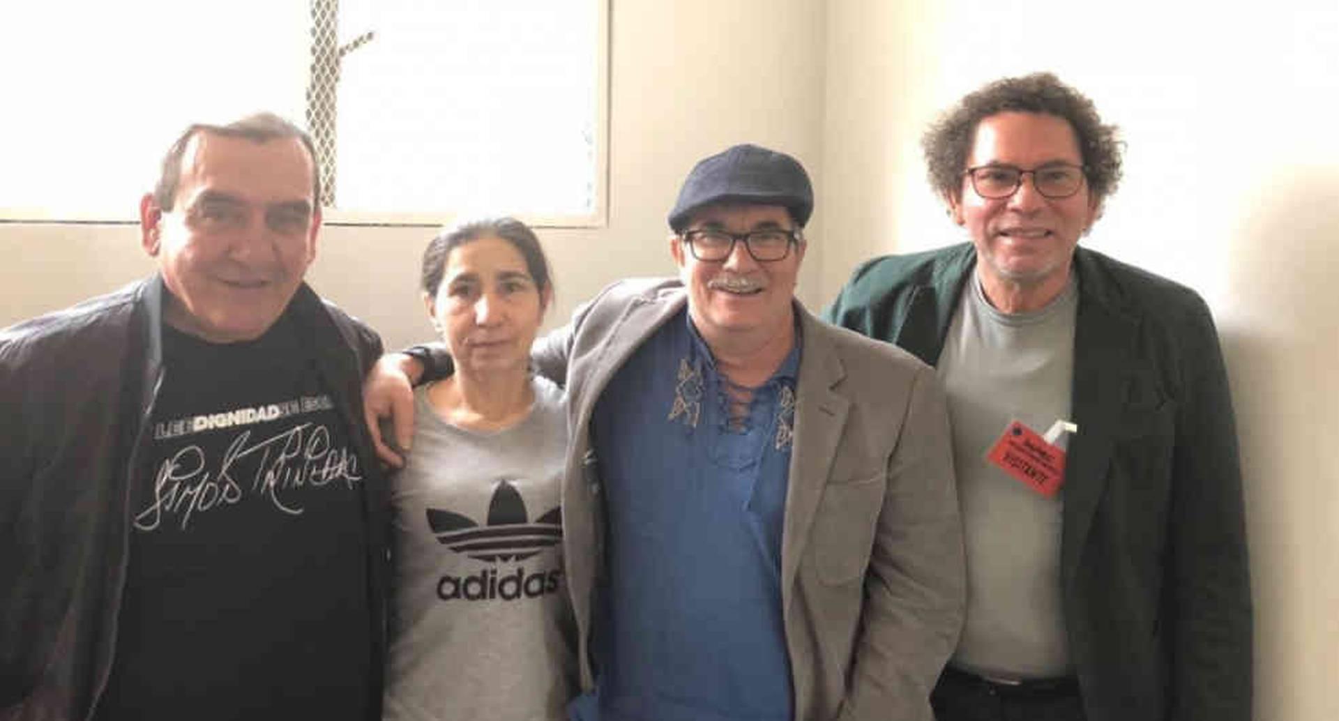 Alias Sonia junto a los excomandantes de las Farc.