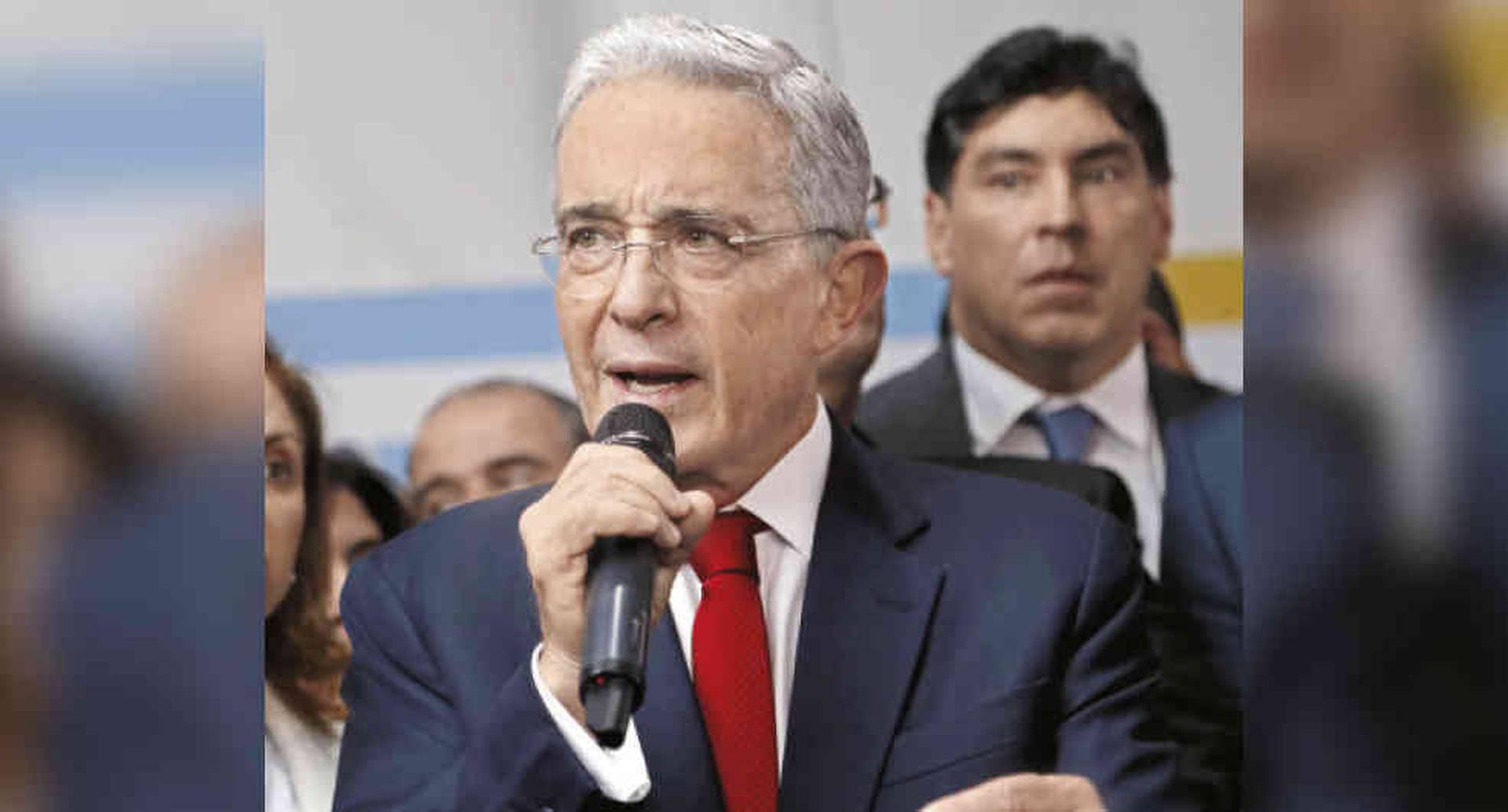 El nuevo referendo del que habla el partido de Gobierno e impulsa el expresidente Álvaro Uribe es más una estrategia para perfilar la narrativa política de cara a las elecciones de 2022.