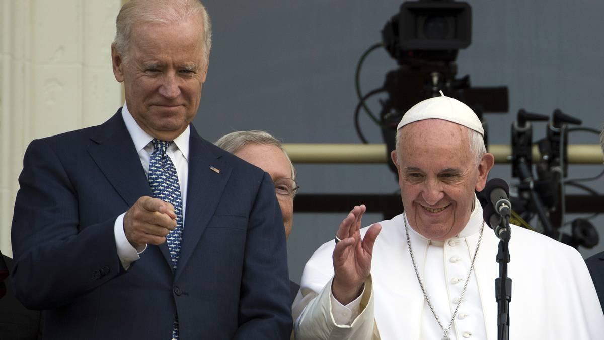 """Papa Francisco habló con Joe Biden por teléfono el 12 de noviembre de 2020 para ofrecer """"bendiciones y felicitaciones"""" al presidente electo de Estados Unidos por su victoria, dijo el equipo de transición demócrata en un comunicado. Foto: AFP"""