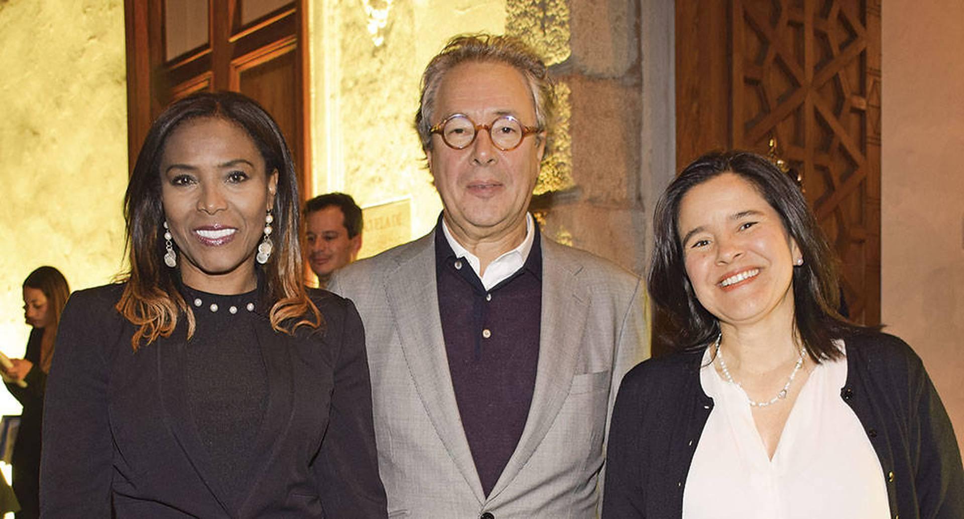 Carmen Vásquez, Gonzalo Córdoba y Sylvia Constaín.