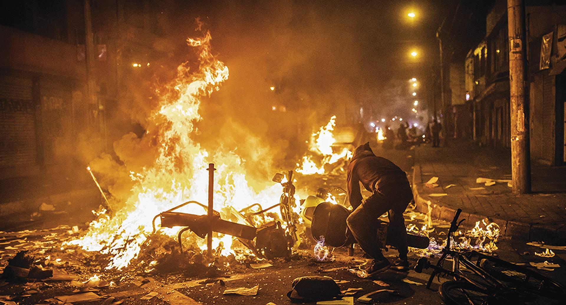 Protestas, violencia, desempleo, reactivación económica: ¿para dónde va Colombia?