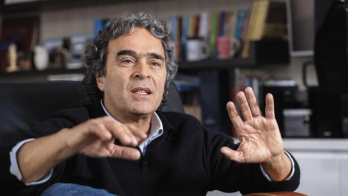 "Me han hecho mucho daño"": Sergio Fajardo"