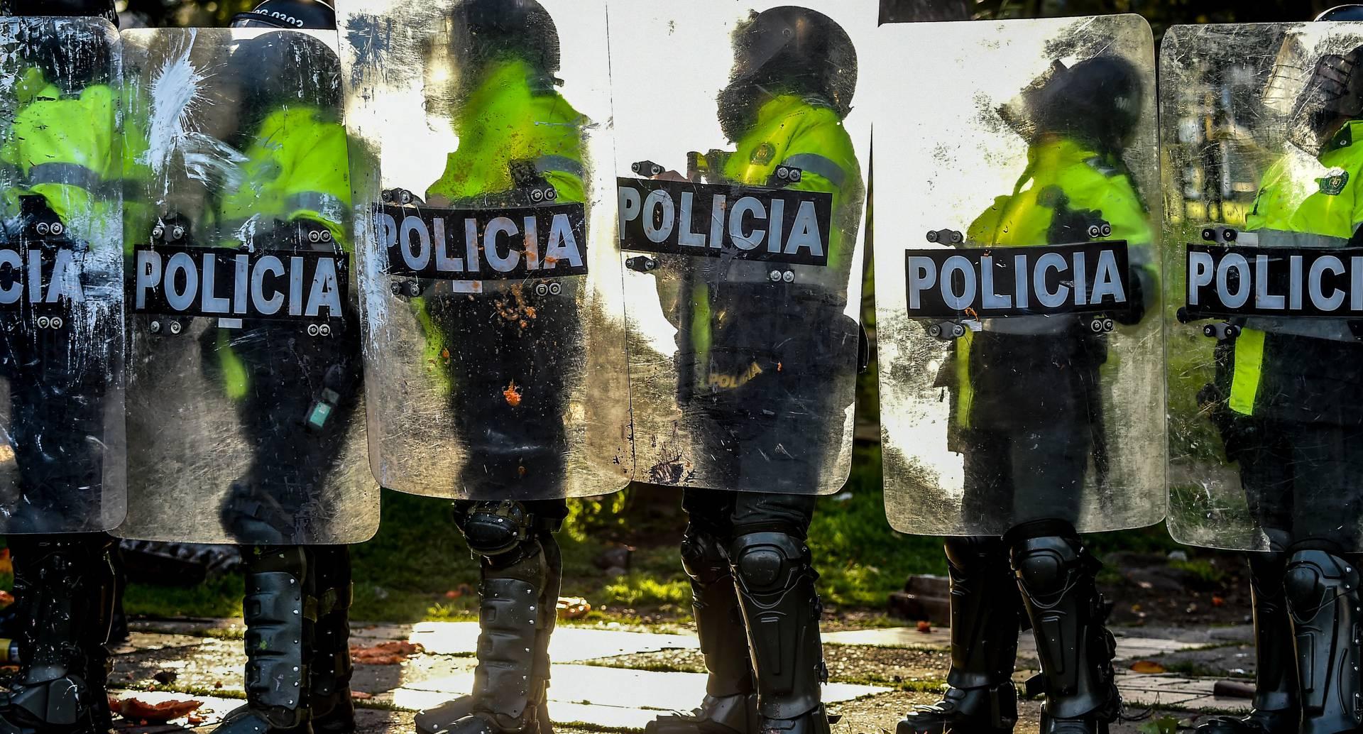 Policía en Bogotá durante protestas