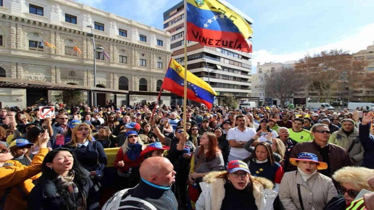 Venezolanos.