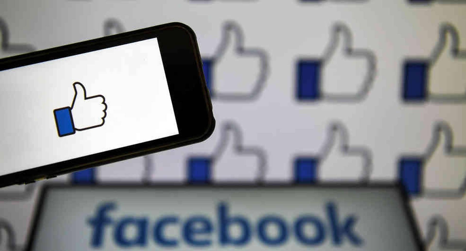 Millonaria multa a Facebook por no bloquear cuentas de allegados a Bolsonaro
