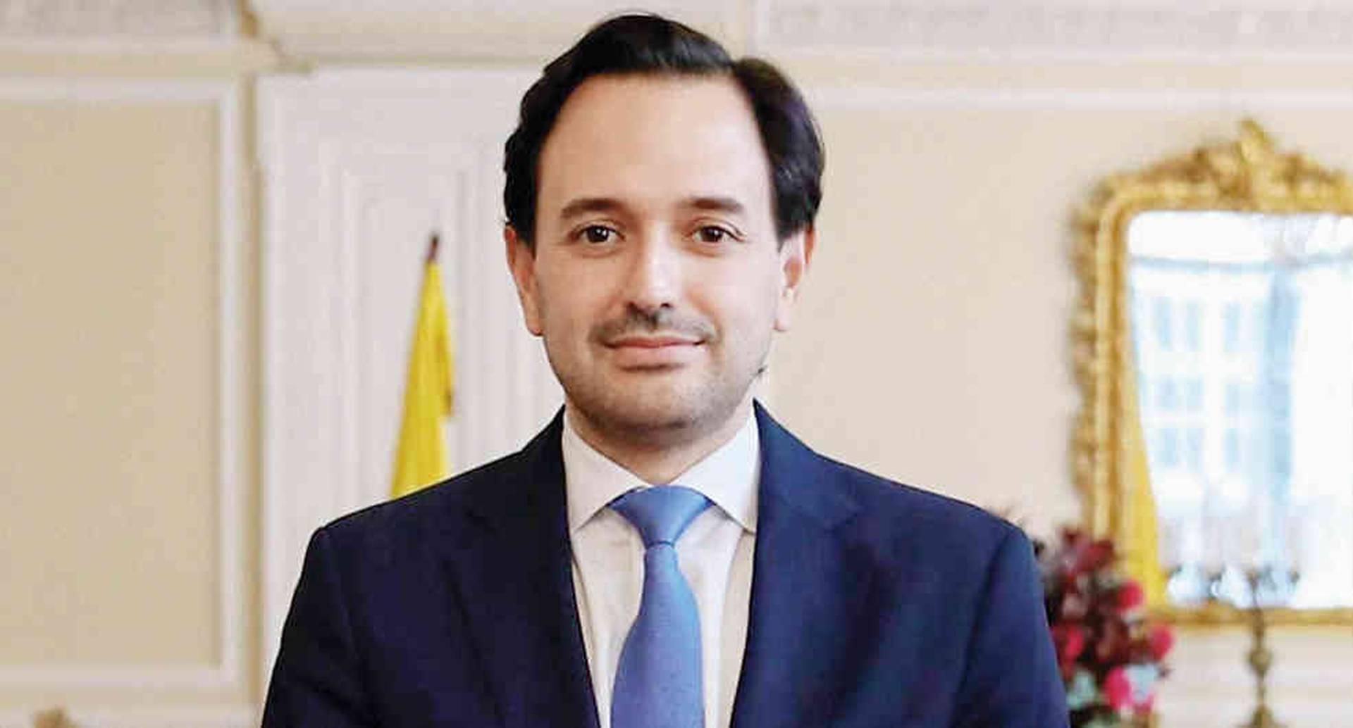Diego Mesa ministro de minas y energia.