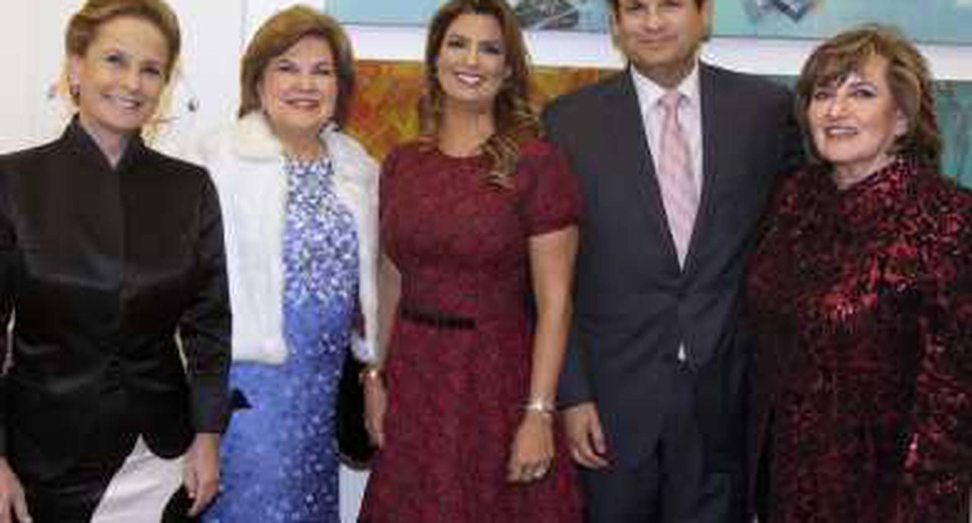 Denise Ratinoff, Zonia de Barguil, Vivi Barguil de Sarmiento, Luis Carlos Sarmiento Gutiérrez y María Victoria Estrada.