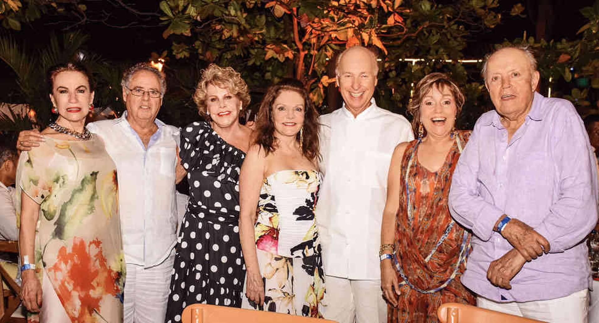 Esther Ventura, Eduardo Vargas, Gladys Richard de Vargas, Pilar Román de Ayerbe, Rosario Díaz-Granados y Ramiro Escobar.