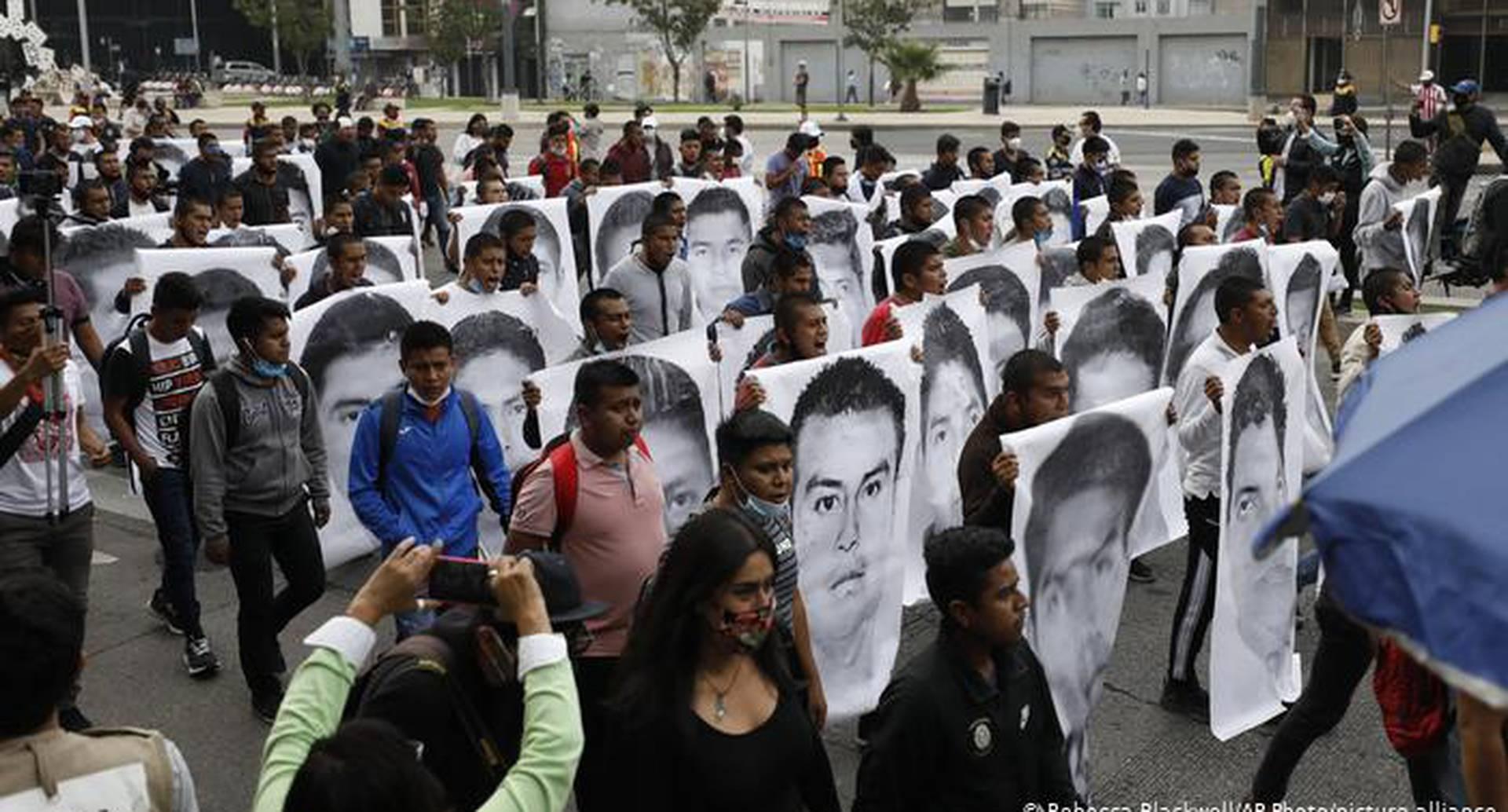 México y Ayotzinapa: Una disculpa, pero ninguna explicación