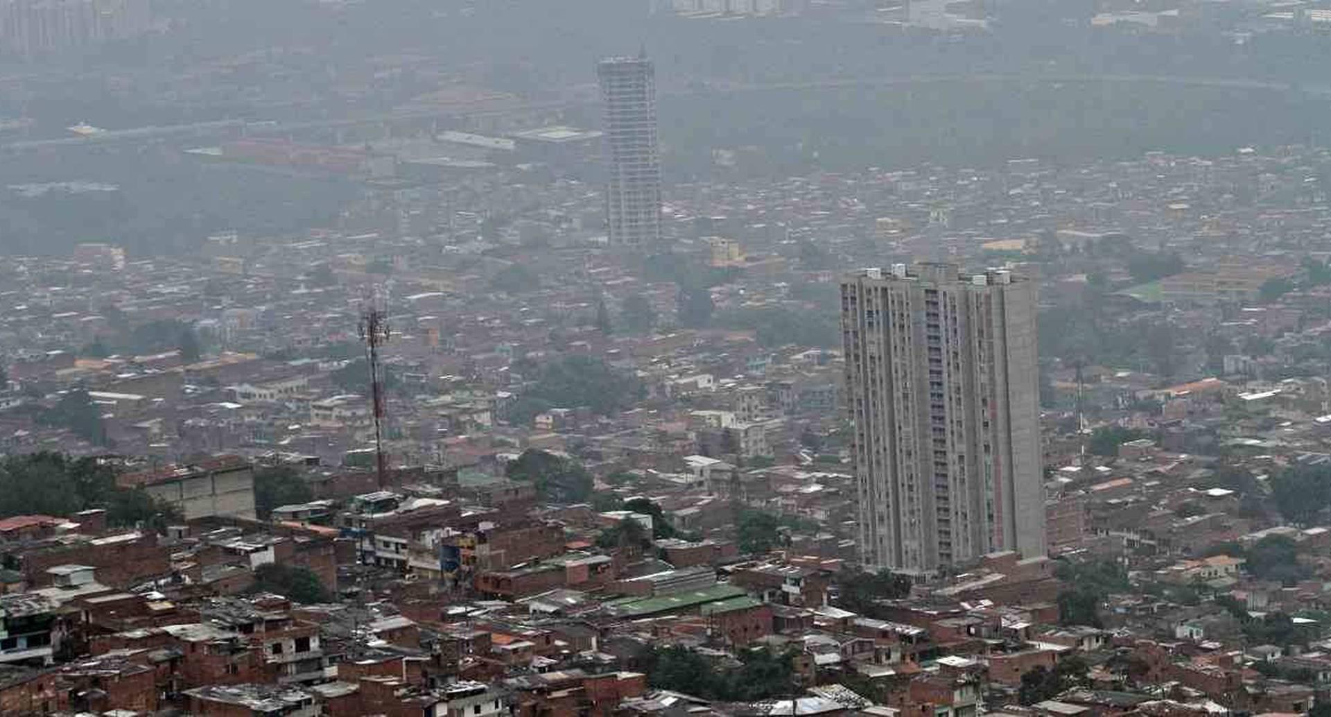 Constantemente son declaradas alertas en Medellín y el Valle de Aburrá por causa de la mala calidad del aire. Foto: archivo/Pablo Andrés Monsalve.