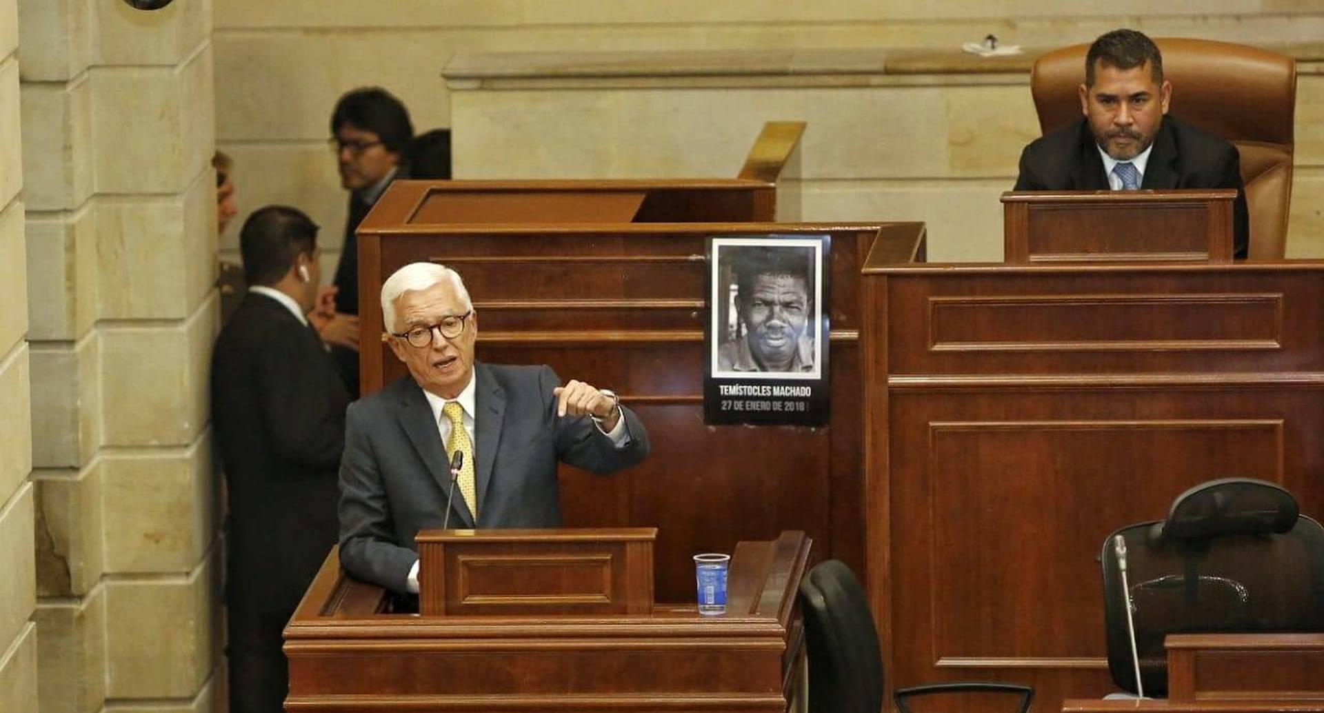 La oposición escogió al senador del Polo para ser su voz en la instalación del Congreso.