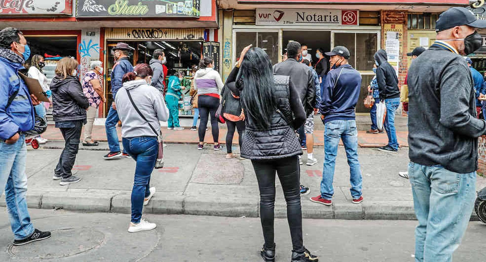 Bogotá amaneció con protestas por nueva cuarentena por localidades  Noticias hoy