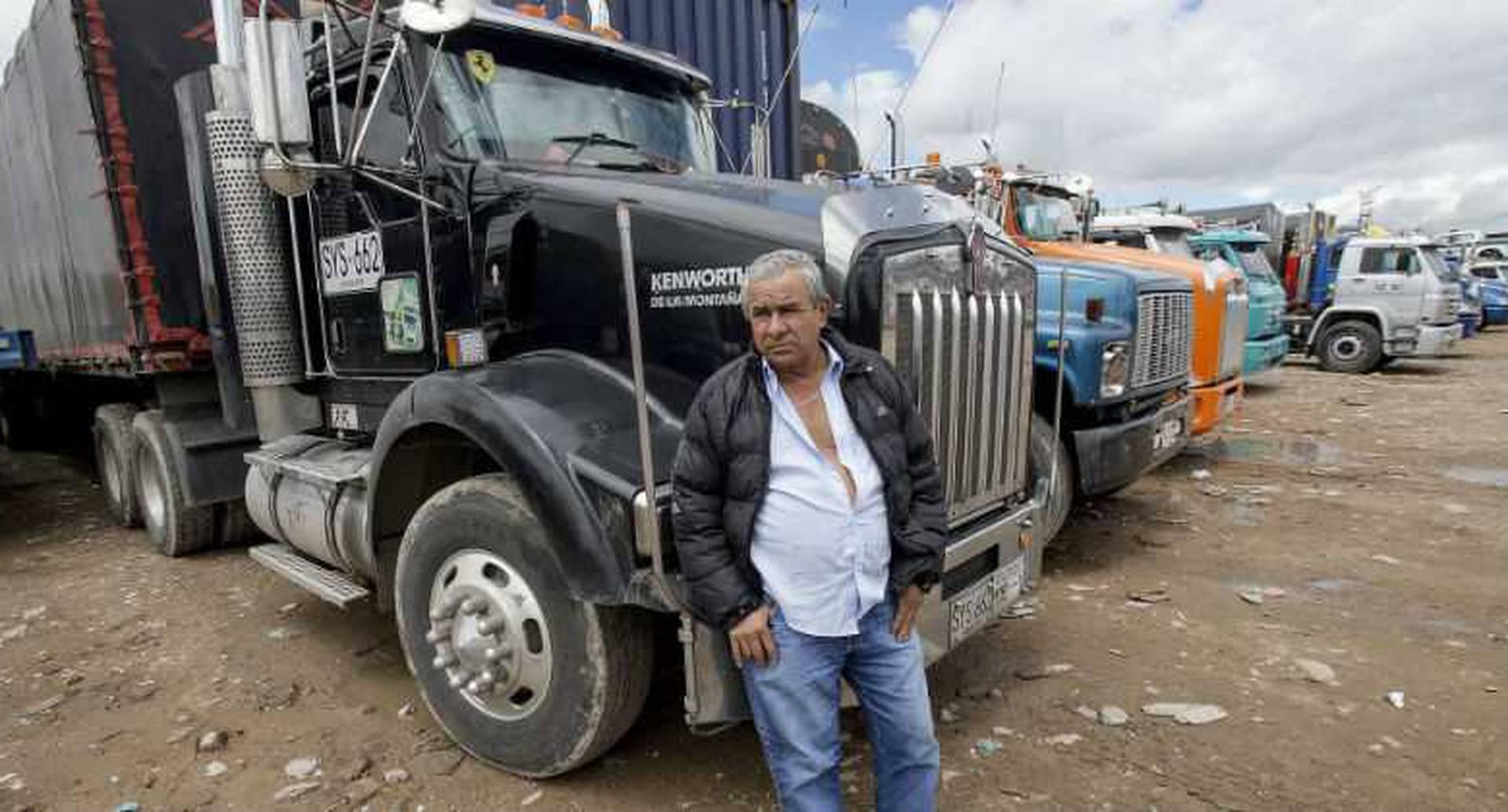 Los camioneros adelantan la protesta en la entrada suroccidental de Bogotá. Foto: Carlos Julio Martínez.