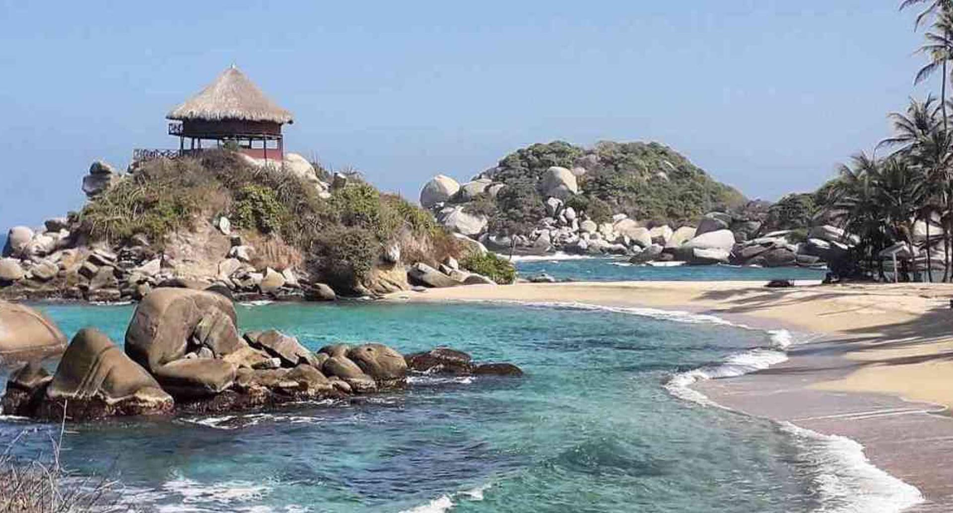 El Parque Nacional Natural Tayrona es uno de los sitios turísticos más visitados por los turistas en Colombia. Foto: Pixabay.