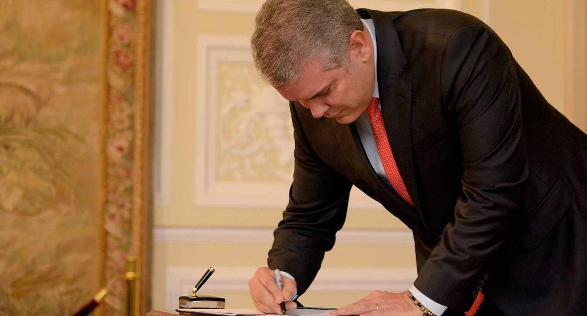 El presidente Duque firmó este martes leyes relacionadas con la juventud y la niñez.