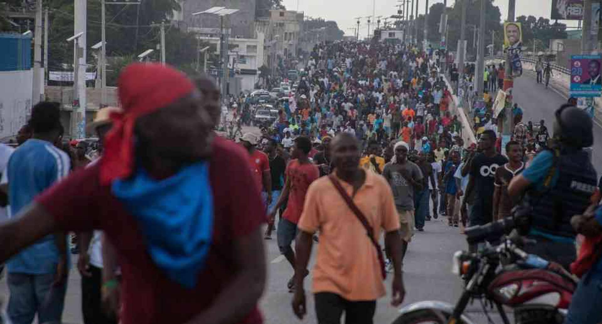 La pobreza, la corrupción, los desastres naturales y la violencia, dificultan a los haitianos vivir en paz.
