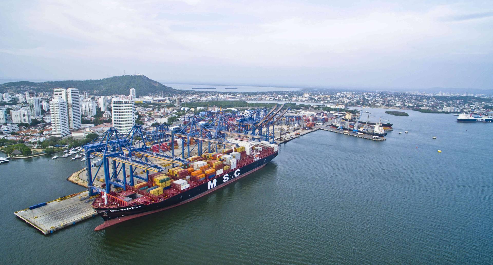 En la Organización Puerto de Cartagena pueden atracar naves de 14.000 TEU.
