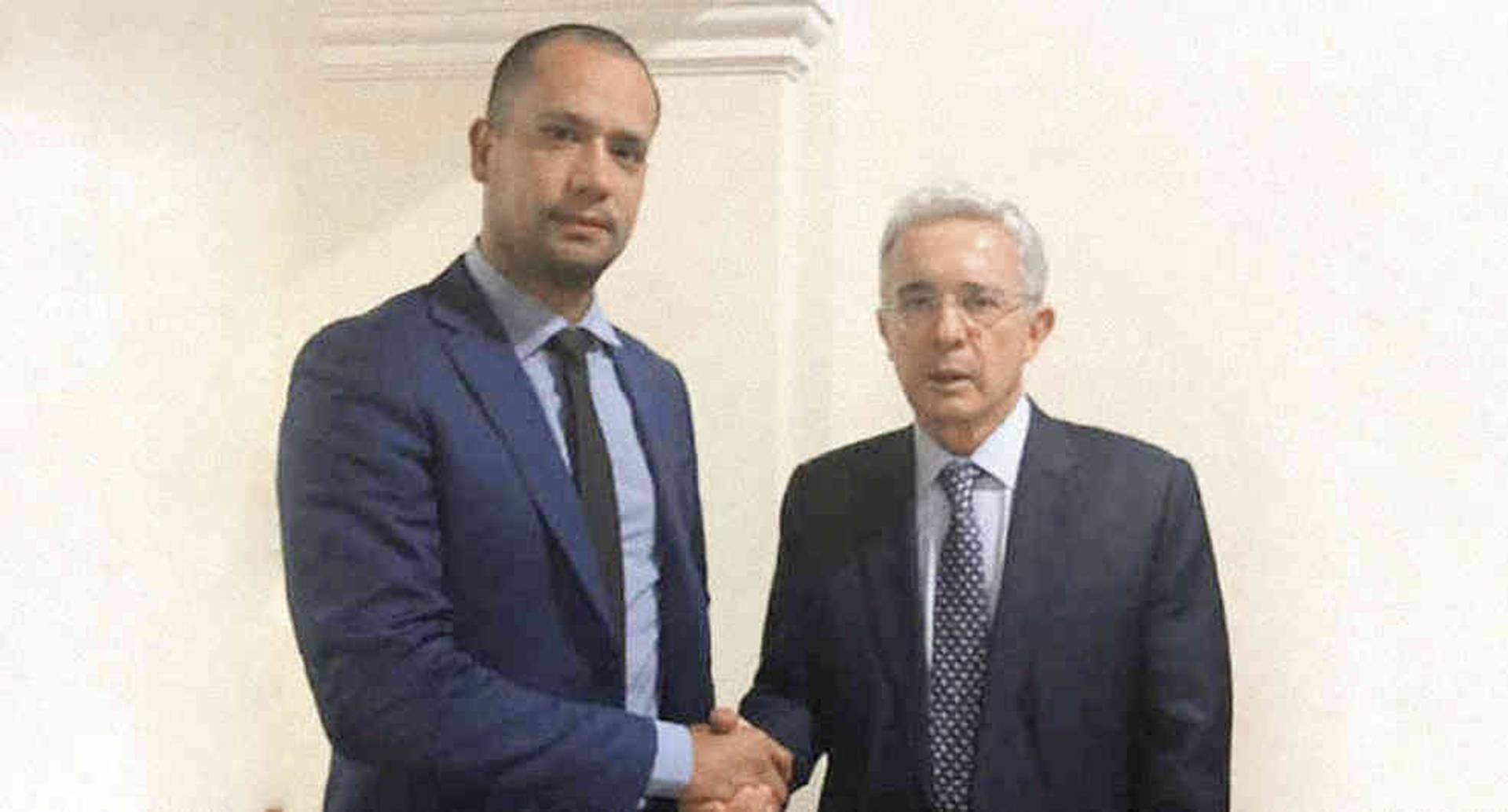 El abogado del expresidente Uribe, Diego Cadena, visitó decenas de cárceles en Colombia y Estados Unidos.