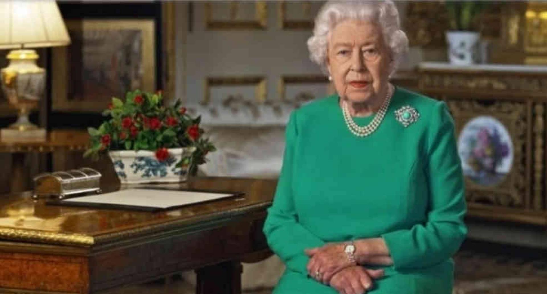 """La reina quiso mostrar que hay luz al final del túnel. """"Venceremos y esta victoria será la de todos"""", aseguró."""