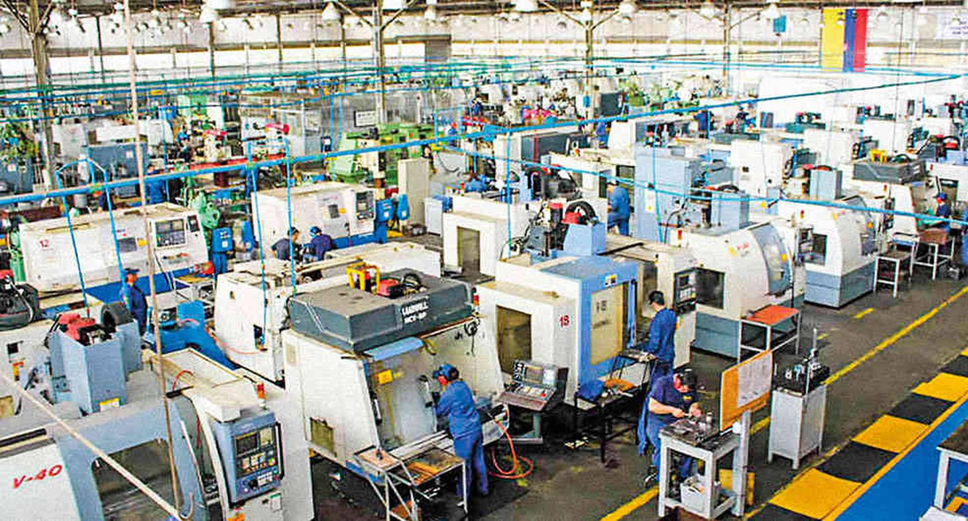 Indumil tiene tres fábricas: armas, explosivos y municiones. Su negocio es abastecer el mercado interno, pero está empezando a expandirse por el mundo.