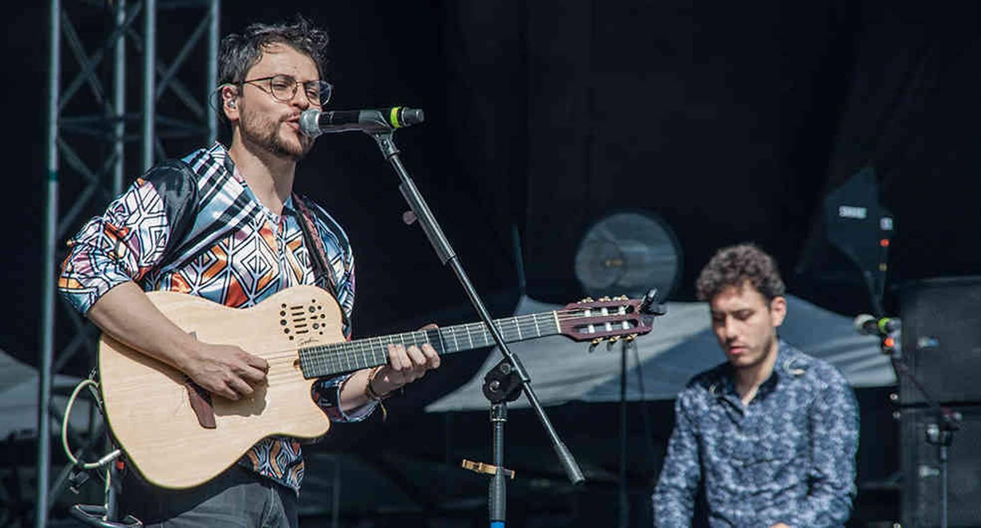 Lucio Feuillet (izquierda), estudió música en la Universidad Javeriana, en Bogotá.