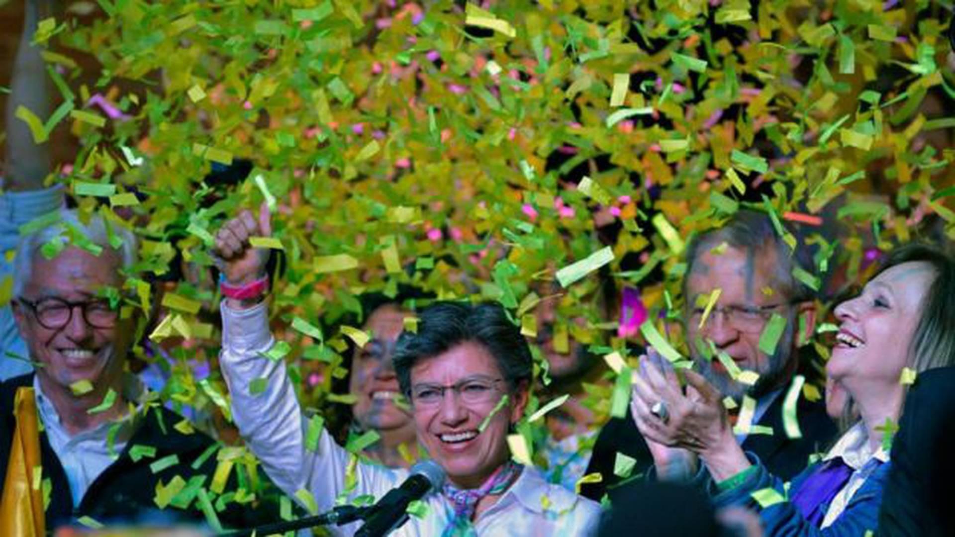 Muchos dicen que López está en campaña para ser presidente. Ella, para responderlo, cita la Constitución: los alcaldes no pueden renunciar para lanzarse a la presidencia.