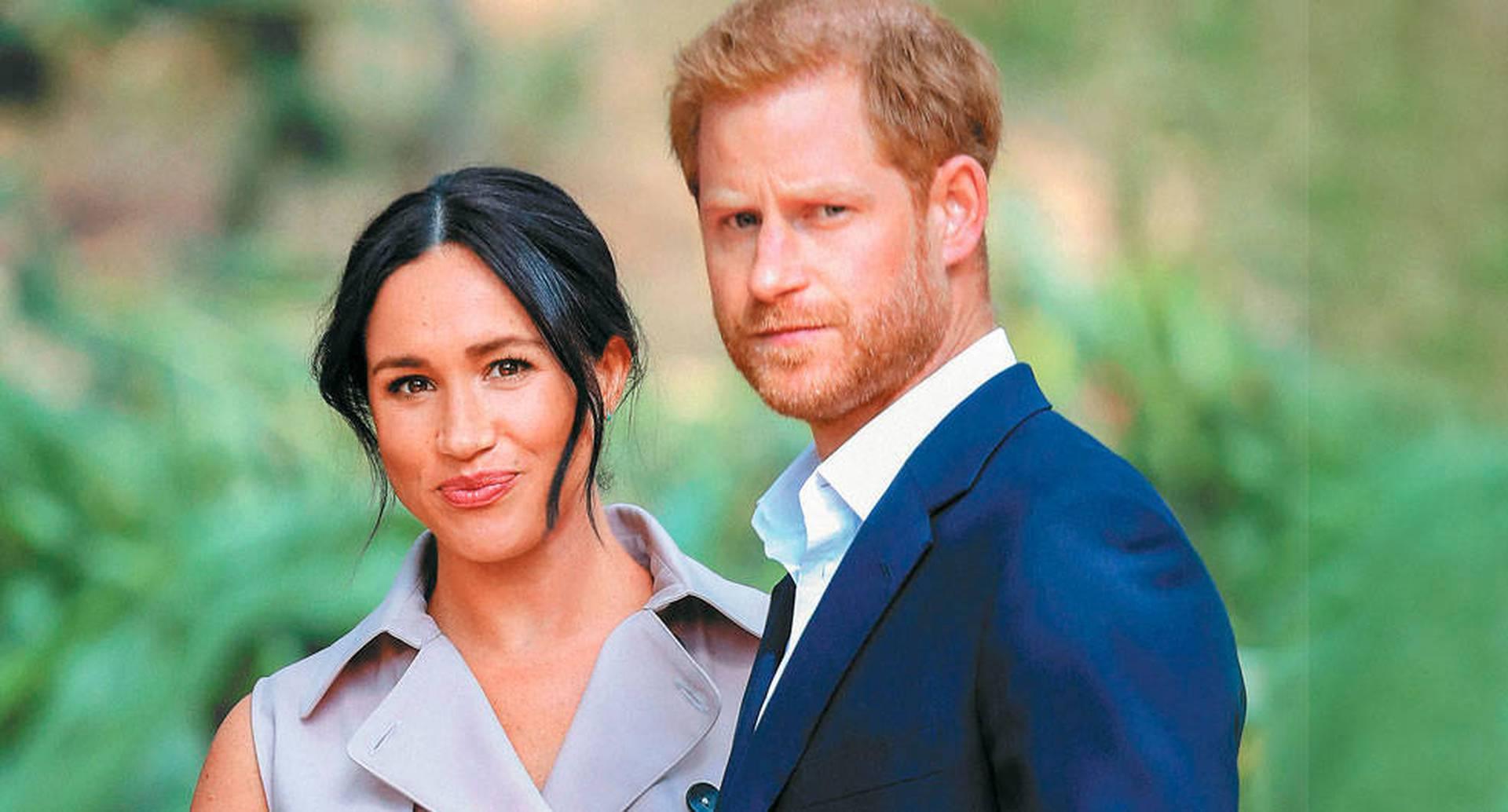 """Sus amigos cercanos dicen que Harry y Meghan están """"agotados"""", y que la familia real no ha sabido protegerlos."""