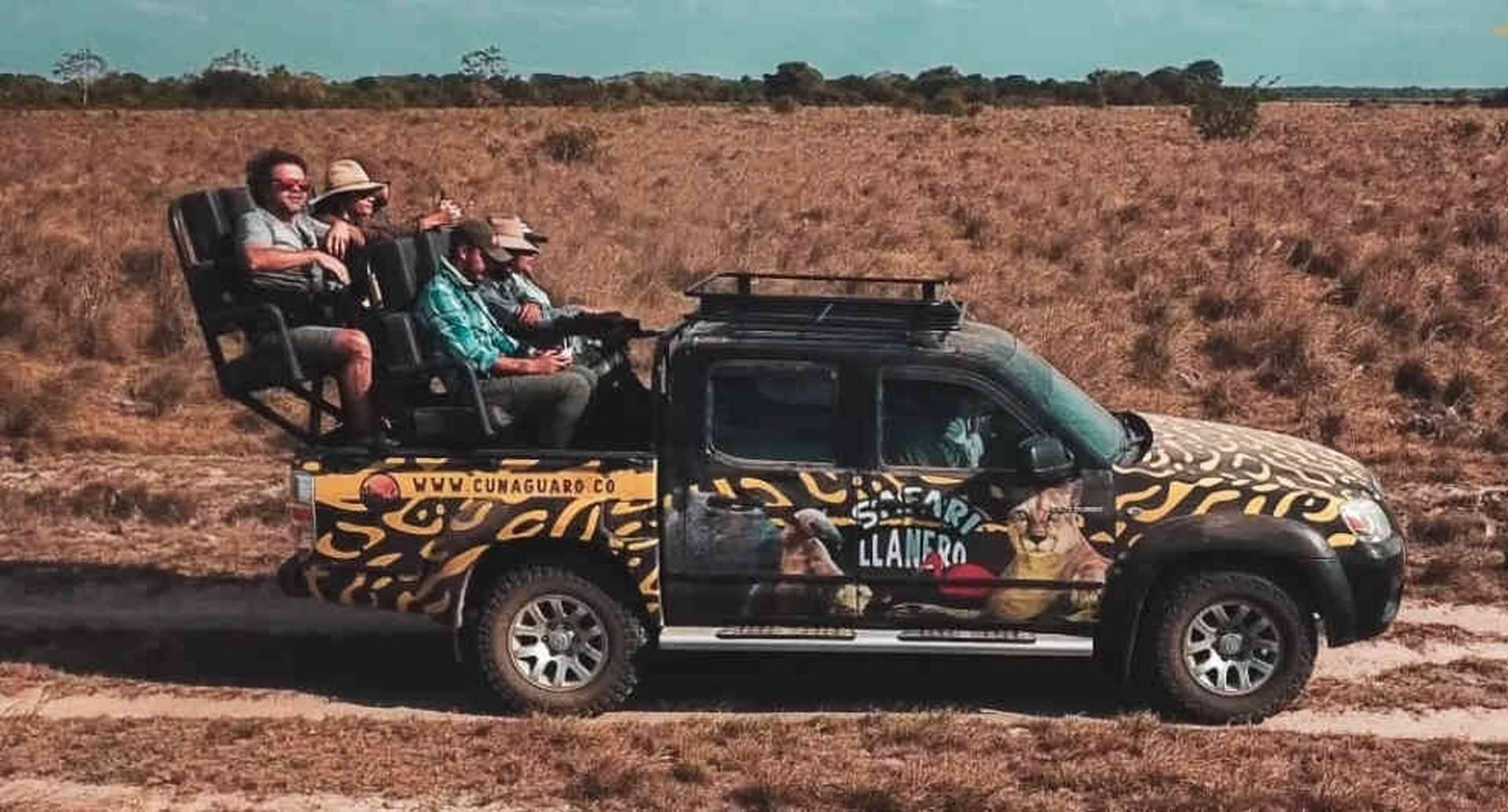 Entre las estrategias que se usan está el desarrollo de rutas bioseguras, además que colombiano viaje en su propio vehículo y evite el contacto con más personas hasta llegar al hato donde se haga el safari.